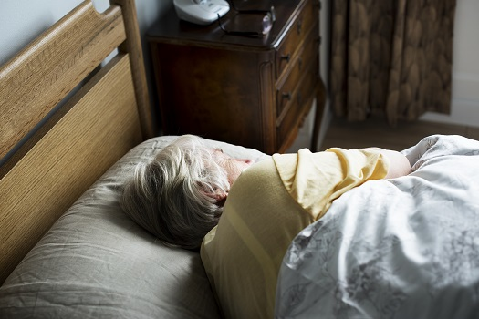 5 Tips on Preventing Seniors from Falling Out of Bed in Sacramenta, CA