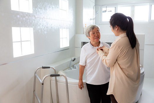 Assisting Your Aging Parent with Personal Care in Sacramento, CA