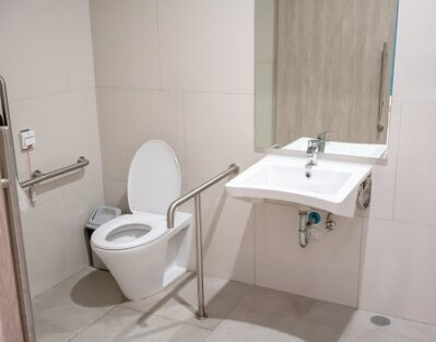 How to Reduce Fall Risk in Your Elderly Parent's Bathroom in Sacramento, CA