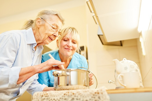 Fun & Simple Activities for Seniors Living with Alzheimer in Sacramento, CA