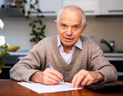 Reasons Aging Adults Should Have Pen Pals in Sacramento, CA